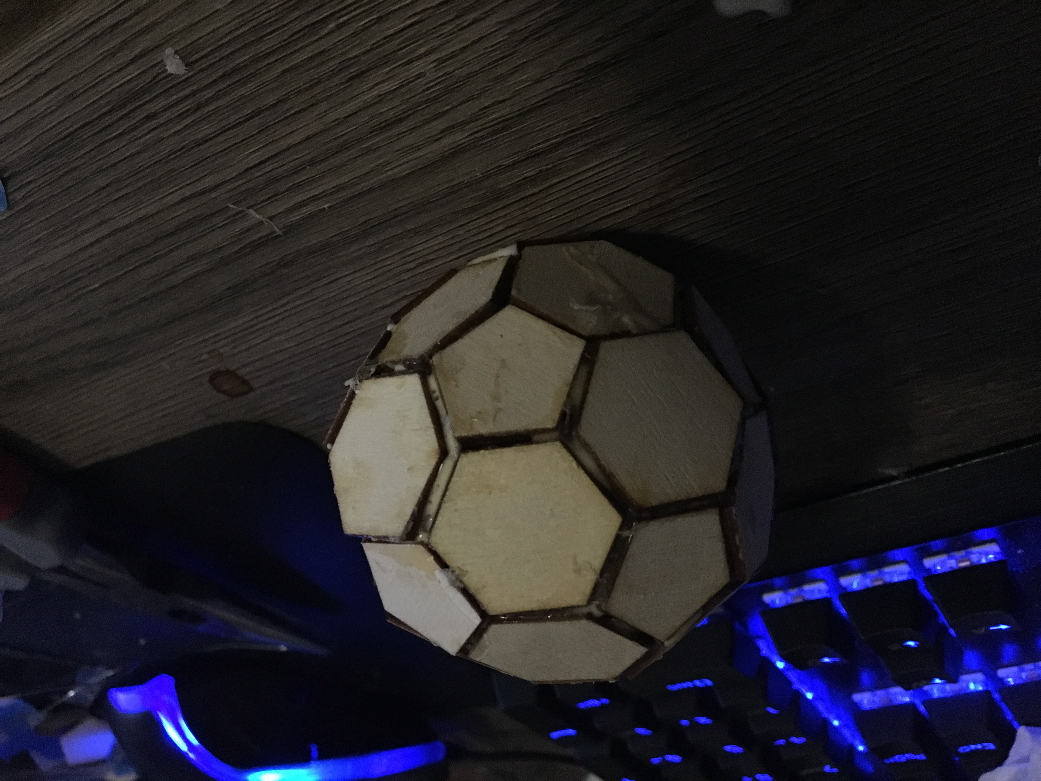 picture of finished pine buckysphere